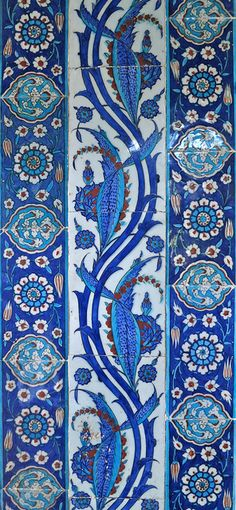 Tiles from the past. This mosque is located in Istanbul. Here are some mosaic examples during the Ottoman Empire . The Ottoman Empire developed a lot with art, literature, geography and other materials. Tile Patterns, Pattern Art, Textures Patterns, Pattern Design, Turkish Art, Turkish Tiles, Islamic Tiles, Islamic Art, Tile Art