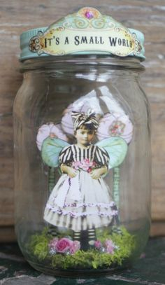 These six altered mason jars are so lovely, and sweet. Such great ideas for mason jars! Fairy Crafts, Diy And Crafts, Paper Crafts, Mason Jar Crafts, Mason Jars, Bottle Crafts, Fairy Jars, Jar Art, Altered Bottles