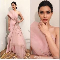 Spotted: Get summer cocktail ready in this millennial pink couture piece, as spotted on the lovely lady for Filmfare 2018 ✨ this outfit at Carma by sending us a screenshot at African Evening Dresses, Indian Gowns Dresses, Sexy Evening Dress, Evening Dresses Online, Formal Evening Dresses, Elegant Dresses, Two Piece Evening Dresses, Prom Dresses 2015, Backless Prom Dresses
