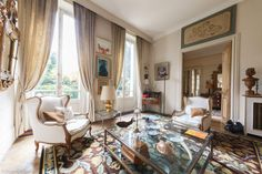 Posh 5-room apartment for sale in the 16th arrondissement of Paris on Avenue Foch. Exclusive property in a prestigious quarter of the French capital - an excellent real estate option for a successful person/family. https://www.glamourapartments.com/real-estate/for-sale/foch-posh