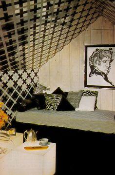 7 Calm Cool Ideas: Vintage Home Decor Bathroom Wall Art vintage home decor art.French Vintage Home Decor Bedroom Designs vintage home decor inspiration rustic.Vintage Home Decor Living Room. Home Decor Colors, Home Decor Signs, Retro Home Decor, Colorful Decor, 1970s Decor, Retro Room, Décor Antique, Vintage Interiors, Modern Interiors