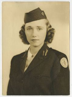 "Helen Bolling . 1919 - 2012. Member of the Clubmobile ""TOMMY GUN"", Group D. Betty H. Carter Women Veterans Historical Project, Martha Blakeney Hodges Special Collections and University Archives, The University of North Carolina at Greensboro, NC, USA."