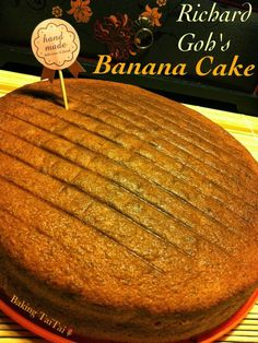 This recipe adapted from Richard Goh is my favourite banana cake recipe as it yields a soft, moist and light fluffy cake. I would highl. Banana Sponge Cake, Banana Bread Cake, Banana Cupcakes, Banana Dessert Recipes, Banana Bread Recipes, Cake Recipes, Sweet Recipes, Bannana Cake, Cake Varieties
