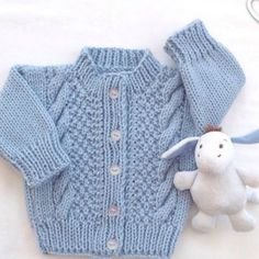 Hand knit baby cardigan - 0 to 6 months - Baby blue sweater - Baby knitwear - Baby shower gift - Baby boy cardigan - Infant girl cardigan Toddler Cardigan, Cardigan Bebe, Baby Boy Sweater, Knit Baby Sweaters, Baby Coat, Blue Sweaters, Blue Cardigan, Baby Knitting Patterns, Baby Sweater Knitting Pattern