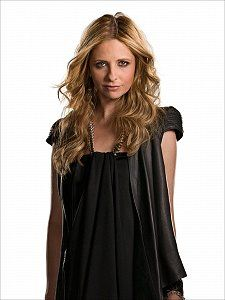 Sarah Michelle Gellar. Love her, defintely one of my favorite actresses ever! (:
