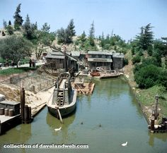 There are very few quiet spots left at Disneyland; I consider Fowler's Inn/Harbor to be one of my very favorite. When the park is swarming. Punk Disney, Old Disney, Disney Fan Art, Disney Land, Disney Theme, Disneyland Rides, Disneyland California, Vintage Disneyland, Disney Princess Facts