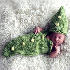 Baby Pea Pod Cocoon Set Knitting Pattern PDF by KnittingGuru. Newborn baby photo just received from a happy customer!!