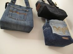 Handkraft & Återbruk - Helgens jeansbrukeri Jeans Refashion, Sewing Jeans, Small Sewing Projects, Old Jeans, Recycled Denim, Denim Bag, Recycling, Collection, Blue Jean Purses