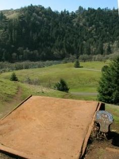 Whistler's Bend in Roseburg, OR - DGCR Rating 4.52. Gotta go here and try this course.