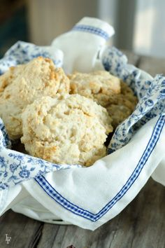 peanut butter scones - easy to make and delicious! | LauraFuentes.com