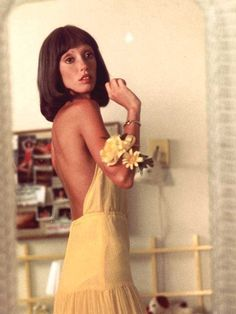 """MUSE MONDAY: SHELLEY DUVALL - This week's muse is Shelley Duvall! Shelley was Stanley Kubrick's first choice for the role of Wendy in 'The Shining"""". If you haven't watched it, you haven't. 70s Fashion, Vintage Fashion, Winter Fashion, Film Stills, Mellow Yellow, Up Girl, Ikon, Style Icons, 70s Icons"""