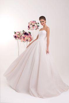 2bae4ced7b78 Nádherné svadobné šaty s viacvrstvovou tylovou sukňou Mariana