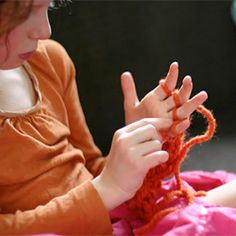 Ever wondered how to finger knit? I'll show you how. Your kiddos won't want to stop! #craftgawker
