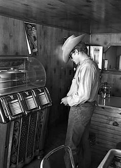 James Dean Scott Eastwood, Brendon Urie, Classic Hollywood, Old Hollywood, Hollywood Stars, Hollywood Actresses, Hollywood Music, Classic Actresses, Hollywood Glamour