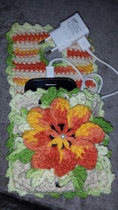 Porta carregador de celular em croche
