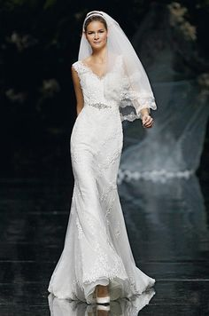 Wedding veil look from Pronovias, 2013