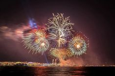 One of Chicago's most popular boat tours! We offer architecture tours, classic lake tours and fireworks tours departing from Navy Pier or Michigan Avenue. Chicago Fireworks, Boat Tours, Buy Tickets, Michigan