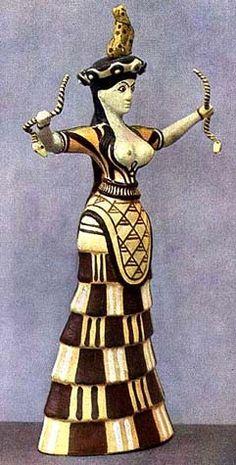 Малая Богиня со змеями, найдена она в 1903 году Артуром Эвансом на Крите.