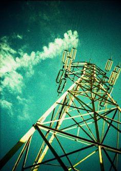 その他ハーフカメラ - クロスで鉄塔 -  春の鉄塔祭り2014  鉄塔  空  雲  クロスプロセス  トイラボ  - Camera Talk -