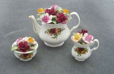 Royal Albert OLD Country Roses Miniature Flower Posy 3 Piece Teaset