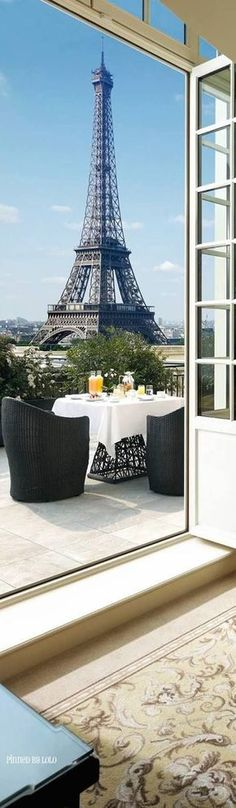Fascinating view of the Eiffel at breakfast - France