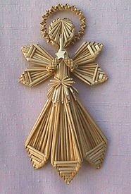 American Museum of Straw Art Wood Christmas Tree, Woodland Christmas, Christmas Crafts, Christmas Decorations, Straw Crafts, Diy Straw, Corn Husk Crafts, Corn Dolly, Pictures On String