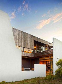Lagoon Beach House Facade