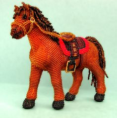 Diy Crafts - Beautiful beaded accessories and toys by Vera Orlova Loom Beading, Beading Patterns, Crochet Patterns, Seed Bead Crafts, Wire Crafts, Crochet Horse, Crochet Dolls, Beaded Animals, Crochet Animals