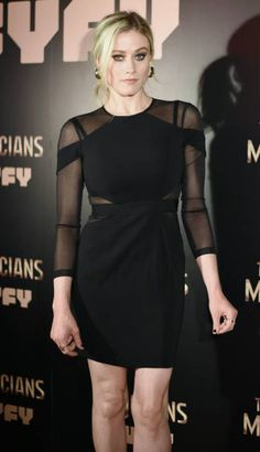 Actress Olivia Taylor Dudley attends The Magicians Premiere in Madrid on February 7 2018 in Madrid Spain Modest Dresses, Nice Dresses, Olivia Taylor Dudley, Tv Show Casting, Goth Beauty, Celebrity Portraits, Celebs, Celebrities, Candyland