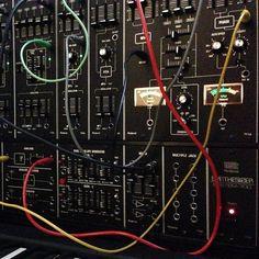 1976: SYSTEM-700