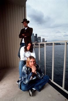 Kurt, Dave and Krist Nirvana Band, Nirvana Kurt Cobain, Music Pics, Art Music, Kurt Cobain Photos, Best Music Artists, I Feel Stupid, Foo Fighters Nirvana, Donald Cobain