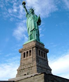 Statue of Liberty, New York/New Jersey Annual Visitors: 3,749,982