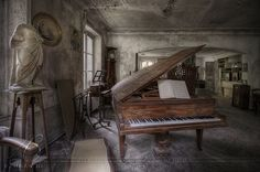 urbex – Music was my first love – B R U N A S . N L