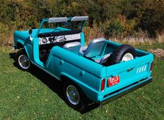 Car of the Week: 1966 Ford Bronco Roadster - Old Cars Weekly Classic Bronco, Classic Ford Broncos, Classic Trucks, Old Bronco, Early Bronco, Roadster Car, Ford Expedition, Ford Trucks, Old Cars