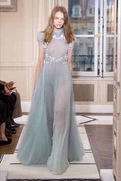 Sfilata Schiaparelli Parigi - Alta Moda Primavera Estate 2018 - Vogue  Collezione Alta Sartoria 81038016fc8