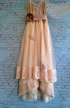 buttercream tan & ivory chiffon lace fishtail offbeat bride wedding dress by mermaid miss k on Etsy, 132,58 €