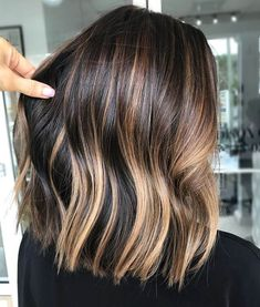 Balayage hair · ombre hair · haircolor · caramel dimension 🍯 swipe for processing video ▷ long bob haircuts, medium Onbre Hair, New Hair, Hair Dye, Curly Hair, Long Bob Haircuts, Long Bob Hairstyles, Relaxed Hairstyles, Medium Haircuts, Hairstyles Pictures