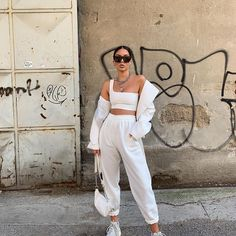 White Oversized Joggers – Erica – Best Women's and Men's Streetwear Fashion Ideas, Combines, Tips Tumblr Outfits, Mode Outfits, Sneakers Fashion Outfits, Cute Casual Outfits, White Outfits, All White Outfit, Sporty Outfits, All White Clothes, Beach Outfits