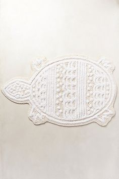 Ornata Bathmat #anthropologie  I would buy this for the beach, but Lillie would set it