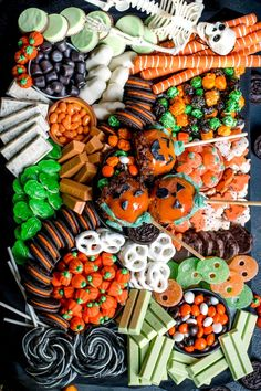 Save the recipe! Candy Board, Meat And Cheese, Best Dishes, Charcuterie Board, Recipe Of The Day, Halloween Party, Appetizers, Snacks, Holiday