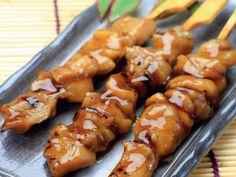 blanc de poulet, oignon rouge, poivron, ail, huile, miel, sauce soja, poivre
