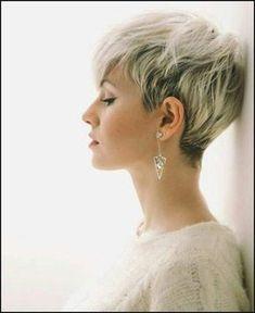 Die besten 25 Kurzhaarfrisuren Ideen auf Pinterest   Haare über ...   Einfache Frisuren