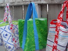 The 5 Step Market Tote is made out of a pillowcase, meaning it is an insanely cheap way to make an adorable sewn bag pattern. Whether you are taking a trip to the Farmer's Market or just heading to the grocery store down the street, this free bag patterns is the perfect way to carry any groceries.