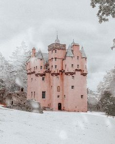 A Pink Castle Escape - Craigievar Castle in Aberdeenshire Beautiful Castles, Beautiful Places, Pink Castle, Snow Castle, Scotland Castles, Pink Houses, Of Wallpaper, Oh The Places You'll Go, Belle Photo