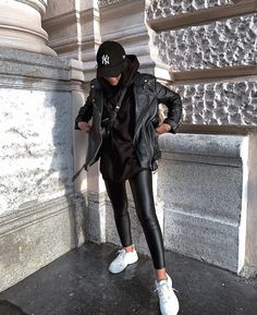 The Effective Pictures We Offer You About tomboy fashion chic A quality picture can tell you many th Winter Mode Outfits, Casual Winter Outfits, Winter Fashion Outfits, Fashion Fall, Dress Casual, Fashion Women, Fashion Trends, Casual Ootd, Fashion Dresses