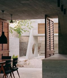 Image 8 of 39 from gallery of Merida House / Ludwig Godefroy Architecture. Photograph by Rory Gardiner Residential Architecture, Contemporary Architecture, Architecture Design, Concrete Architecture, Contemporary Houses, Architecture Interiors, Designer Hotel, Le Corbusier, Louis Kahn