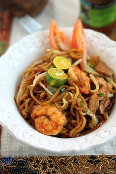 Mie Goreng (Indonesian Fried Noodles)   Easy Asian Recipes at RasaMalaysia.com