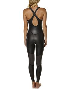 Features:Womens Wetsuit SteamersColour: BlackMade from: 90% Neoprene and10% Nylon2mm Wetsuit in classic long john style Nylon and glide skin materialsPaneled seams for ultimate movement and giveCross over sports back style at the backSize + Fit Guide:Womens Wetsuit SteamersSize: Models height measures: 173cm (58)Models bust measures: 83.8cm (33) Models waist measures: 61cm (24)Models hips measures: 85cm (33.5)Model is wearing a size 8 Temperature Guide:If youre not sure of the most…