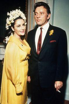 Les plus belles robes de mariée de couleur des stars Elizabeth Taylor http://www.vogue.fr/mariage/inspirations/diaporama/les-plus-belles-robes-de-marie-de-couleur-des-stars/24643#les-plus-belles-robes-de-marie-de-couleur-des-stars-11