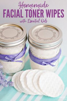 diy skin care DIY facial toner pads using essential oils and other all-natural ingredients. You can make your very own homemade facial toner pads in just 5 minutes! Toner Facial, Facial Care, Facial Diy, Natural Beauty Tips, Natural Skin Care, Natural Facial, Natural Toner, Natural Oils, Natural Health